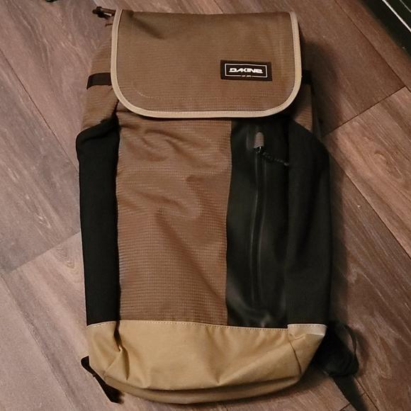 Dakine backpack concourse 28l